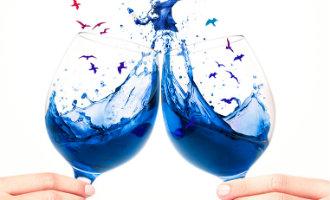 Rode, witte en rosé wijnen zijn toegestaan in Spanje maar blauwe wijn niet