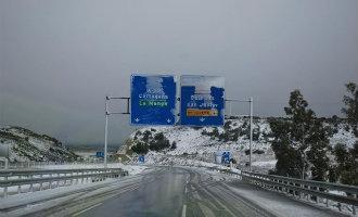 Sneeuw aan de kust van de regio Murcia