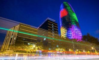 Torre Agbar in Barcelona opnieuw verkocht voor 142 miljoen euro maar niet voor een hotel