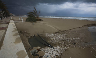 Middellandse Zee regio's in Spanje zijn aan het bijkomen van het slechte weer, regen, wind en veel schade (2017)