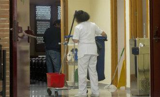 Hoofd Van Schoonmaakafdeling Universiteit Sevilla Kent 22 Banen Toe Aan Familie En Vrienden
