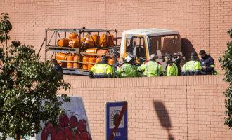 Zweed Die Butaangasflessen Truck Stal In Barcelona Kwam Terug Van Het Uitgaan