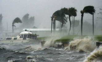 Er Komt Een Orkaan Achtige Storm Over De Atlantische Oceaan Richting Spanje