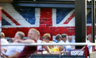 Benidorm Gaat Strijd Aan Met De Alles Claimende Britse Toerist