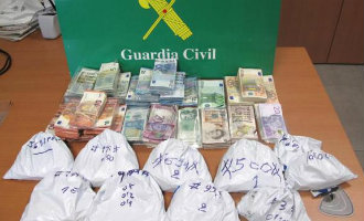 Ryanair Steward Wilde Met 39.000 Euro Gestolen Geld Gaan Vliegen Maar Werd Gepakt Op Gran Canaria