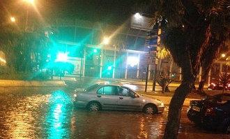 Enorme Storm Zet Straten Málaga Blank En Zorgt Voor Veel Wateroverlast