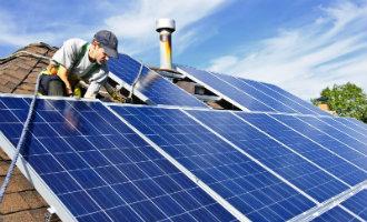 Brussel stuurt boze brief naar Spaanse regering over de zonbelasting