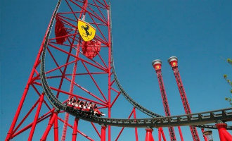 Veel boze bezoekers na urenlange technische storingen in pretpark Ferrari Land in Salou