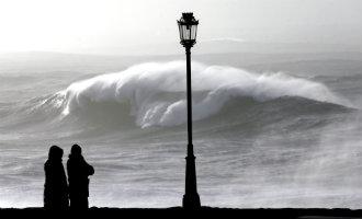Slecht Weer Met Harde Windstoten, Regen En Lagere Temperaturen Langs De Middellandse Zee In Spanje