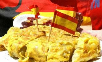 Spaanse tortilla de patatas krijgt eigen standbeeld in vermeende geboorteplaats in Extremadura