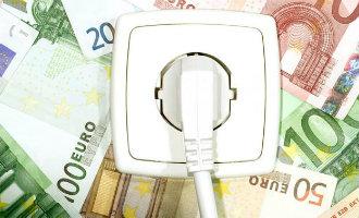 Elektriciteitsleveranciers Spanje presenteren deze maand hogere rekeningen vanwege drie jaar oude kosten