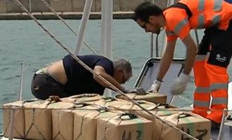 Nederlanders gearresteerd bij grote drugsvangst op een zeilboot voor de kust van Almería