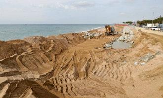 Stranden Malgrat en Pineda de Mar nog niet klaar voor gebruik na hevige januari stormen