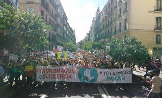 80.000 mensen protesteren tegen stierenvechten bij aanvang San Isidro feesten Madrid