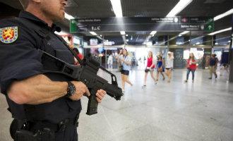 Britse reisorganisaties sturen ex militairen naar Spanje om vakantiegangers te beschermen tegen IS aanvallen