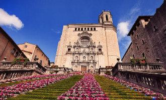 """Girona weer in de ban van het bloemenfestijn """"Temps de Flors"""""""