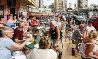 Medium-laag profiel van de Britse toeristen aan de Costa Blanca zorgt voor minder bestedingen