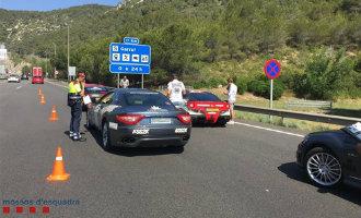 Nederlandse luxe rallyrijders nabij Sitges op de bon geslingerd voor te hard rijden