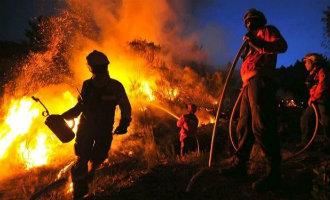 Spanje vecht mee in de bestrijding van de grootste bosbrand ooit in buurland Portugal