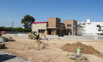 Nieuw Burger King restaurant langs de kustweg tussen Salou en Cambrils aan de Costa Dorada