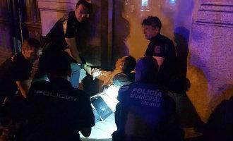 Man aangehouden in Madrid vanwege vermeende bomriem maar … dat bleek geld te zijn