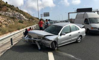 Dronken politieagent veroorzaakt ongeluk met twee doden tot gevolg op de snelweg bij Torremolinos