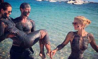 Modderbaden op het eiland s'Espalmador tussen Ibiza en Formentera is verboden en zelfs slecht voor de gezondheid