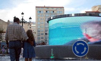De modernste rotonde van Spanje is te vinden in Galicië en heeft een groot LED scherm in het midden