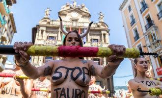 Anti stierenvechten manifestaties in Amsterdam en Pamplona