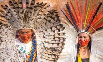 Amerikaanse autochtone indianenleiders zorgen voor overlast op Ibiza
