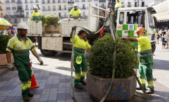 Gemeente Barcelona gaat toch betonblokken plaatsen en aantal politieagenten verhogen