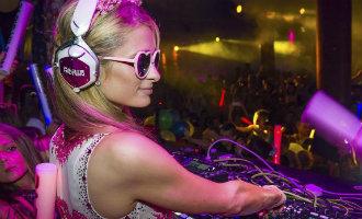 Paris Hilton denkt erover om een hotel te openen op Ibiza