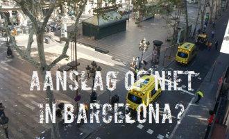 AANSLAG BCN: Bestelbus rijdt verschillende mensen aan op de Ramblas van Barcelona