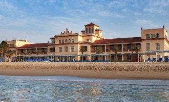 Bommelding luxe hotel aan de Costa Dorada zorgt voor evacuaties en onrust
