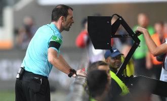 Spaanse voetbalcompetitie gaat volgend seizoen gebruik maken van de videoscheidsrechter