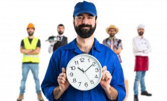Spaanse minister Werkgelegenheid wakkert discussie over werken tot 18 uur opnieuw aan