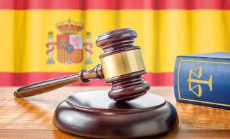 Catalaanse afgezette regiopremier Puigdemont twijfelt aan scheiding der machten in Spanje maar klopt dat?