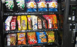 Baskische regioregering wil snoep en chips vervangen door fruit in verkoopautomaten