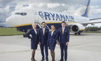 Cabinepersoneel Ryanair begint vakbond en klaagt werkgever aan in Spanje