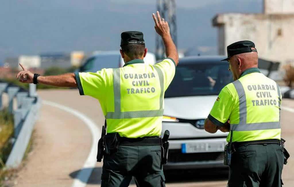 Handig om te weten: de signalen van de verkeersagenten van de Spaanse Guardia Civil