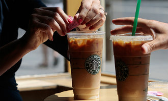 Starbucks opent cafetaria/winkel in het winkelcentrum Miramar in Fuengirola