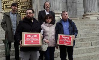 Meer dan 200.000 Spanjaarden leveren petitie in tegen verbod Stichting oud dictator Franco