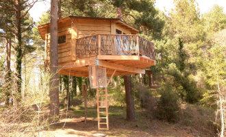 Plannen om een camping met boomhutten te bouwen in de Ripollès streek nabij de Costa Brava
