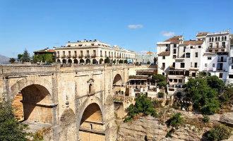 Restricties voor het autoverkeer op de beroemde brug van Ronda