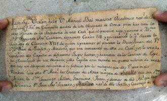 18e eeuwse brieven gevonden in achterwerk van houten christusbeeld in Spanje