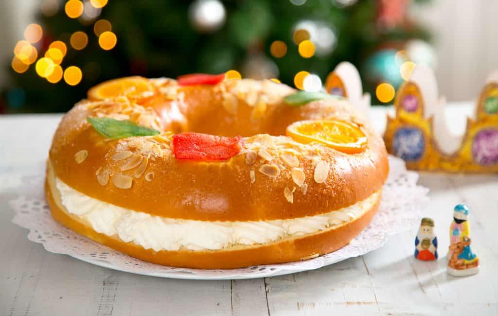 De traditionele Driekoningen cake: Roscón de reyes