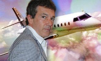 Acteur Antonio Banderas koopt privé vliegtuig voor 4,5 miljoen euro
