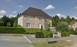 Puigdemont verlaat hotel in Brussel en huurt een 4.400 euro kostend huis in Waterloo *UPDATE*