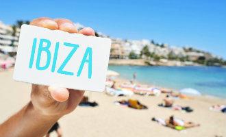 Toeristische massificatie op Ibiza met 26 toeristen per inwoner