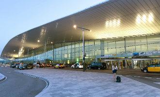 Vliegveld Barcelona-El Prat krijgt een nieuwe terminal voor intercontinentale vluchten en Girona een AVE station